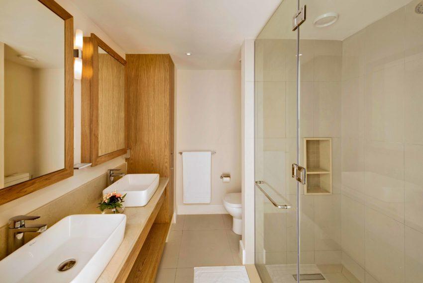 Turnkey apartment Bathroom - (c) La Balise Marina