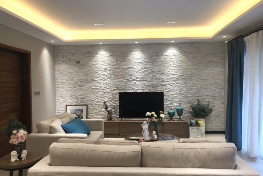 Living-Area-1600x1200